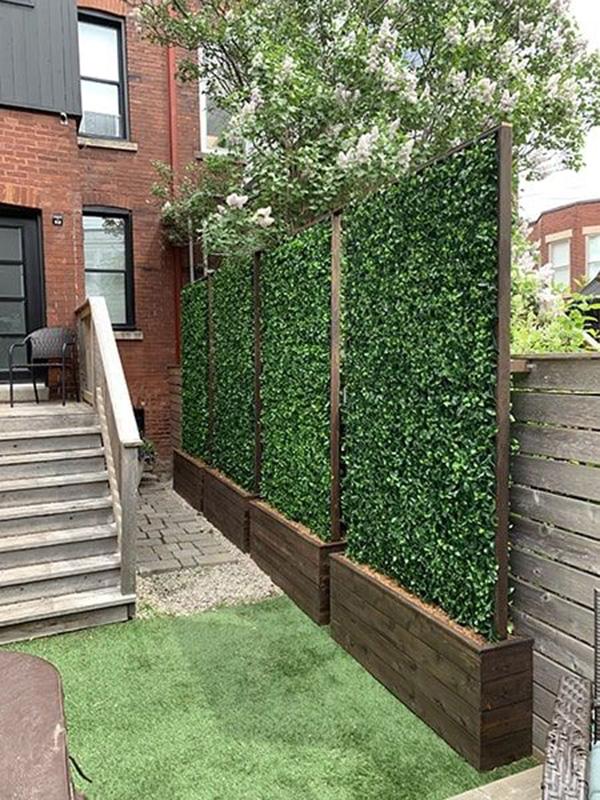Jardineras celosías para no ser vistos en la terraza y ganar intimidad y privacidad en la terraza y balcón