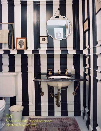 Baño Pintado De Amarillo:Aseo, cuarto de baño o servicio pintado de azul con un dibujo de olas