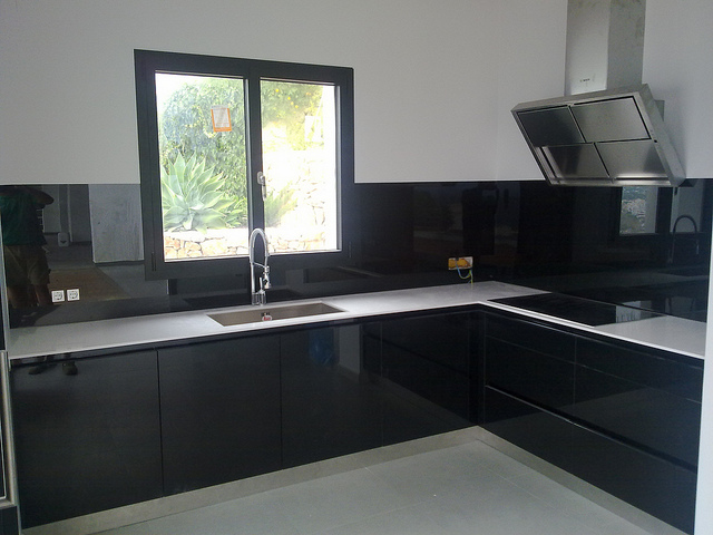 Cristal lacado lacobel mil ideas de decoraci n for Panel frontal cocina