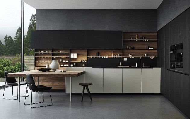 Cocina negra con madera