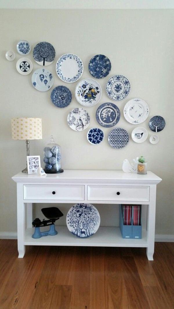 Collage de platos para decorar las paredes