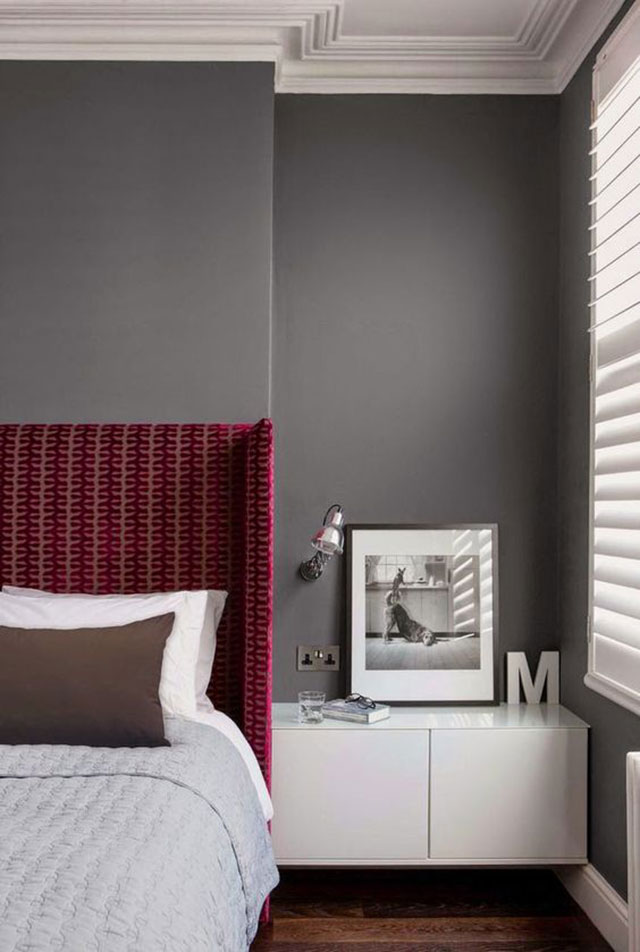 Combinar el color burdeos en paredes y decoración con gris