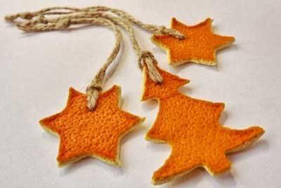 como-decorar-navidad-tonos-naranjas-complementos-arbol-naturales