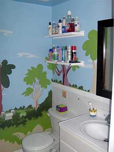Baño Para Jardin Infantil:Kids Bathroom Painted Wall Mural