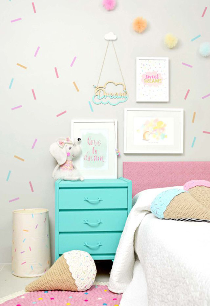 Idea económica para decorar pared de habitación infantil