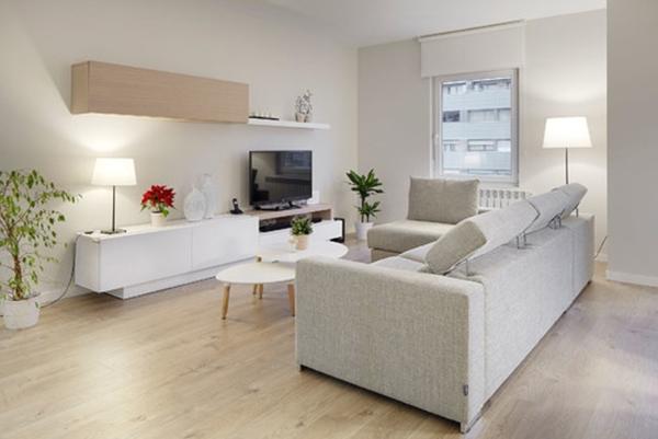 Una sala moderna de estilo nórdico