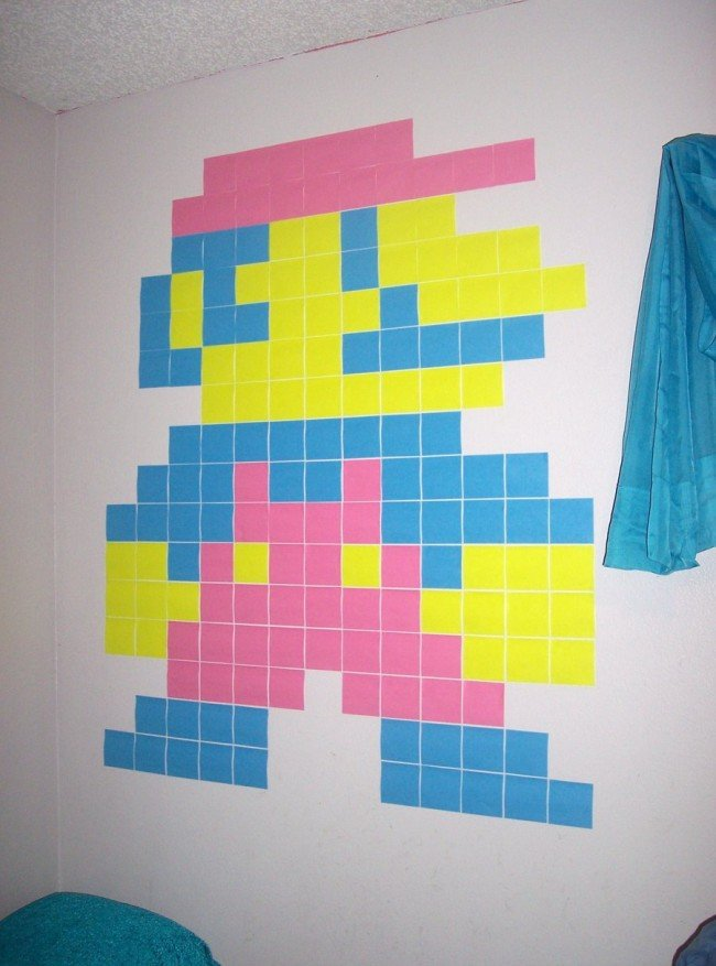 Un Súper Mario hecho con post it para decorar las paredes sin gastar dinero