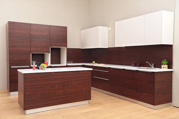 Ideas y materiales para revestir y decorar el frente o salpicadero de la cocina