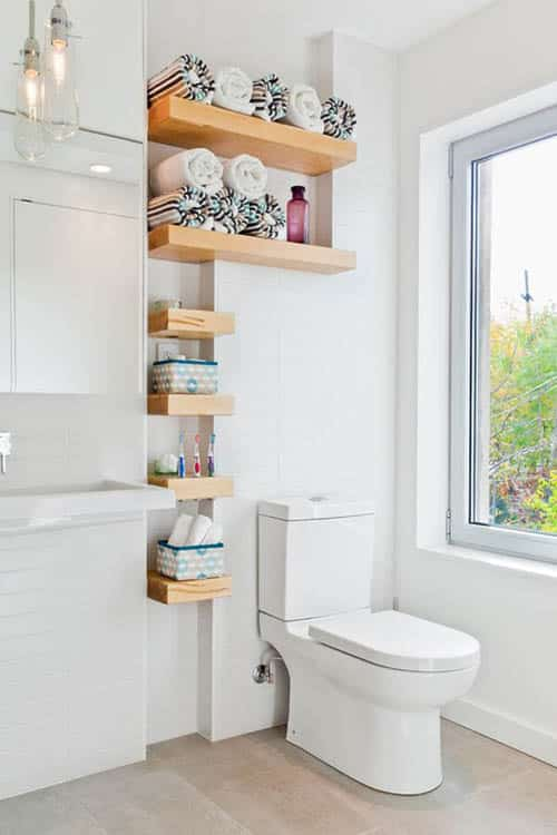 Baño Pequeno E Irregular:Idea Small Bathroom Storage Shelves