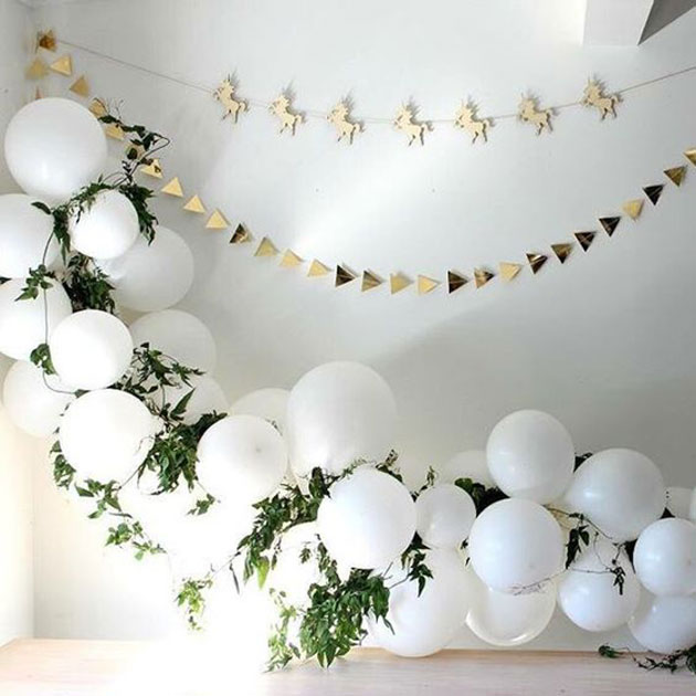 Fiesta baby shower decorada con globos