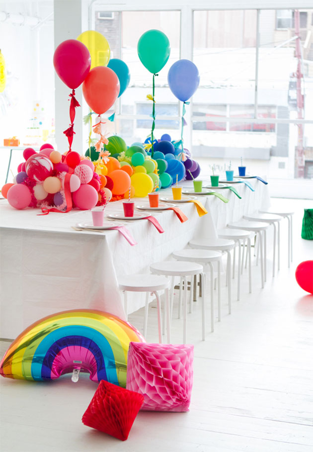 17 ideas para decorar una fiesta baby shower con globos for Decoracion para pared de baby shower
