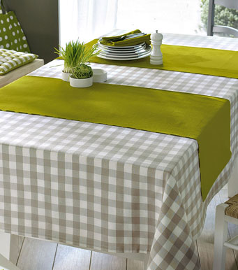 manteles con mucho color para decorar la mesa mil ideas