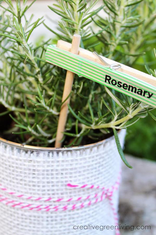 Manualidad con pinzas de la ropa: letrero para plantas