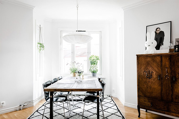 Sorprendente apartamento nórdico con detalles rústicos