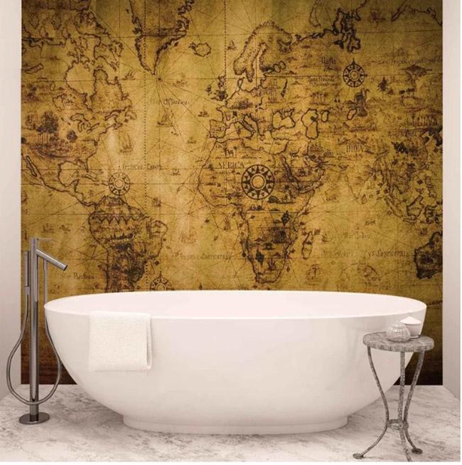 Un fotomural de un mapa del mundo en el baño