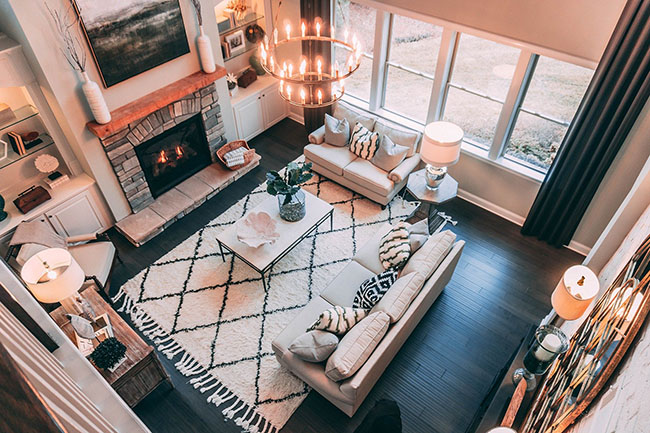 Renovate the living room without work, cover the floors